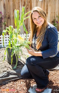 You can grow corn in a small garden. Yes, you read that right!  The image of long rows of corn planted in corn fields of the Midwestern states is about to get updated, small-garden style! Do …