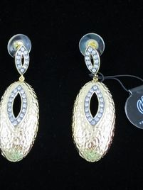 $55 COURTNEY KAYE Gorgeous 14k Gold Hammered Drop Earrings NEW at https://shopsto.re/items/2567 #accessories #jewelry #earrings