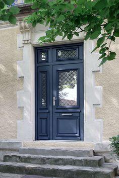 Porte d'entrée non spécifié / en aluminium / non spécifié / simple ATHENA BEL'M Grey Front Doors, Front Door Colors, Front Door Decor, House Entrance, Entrance Doors, Window Inserts, Front Door Design, Front Entrances, Home Living