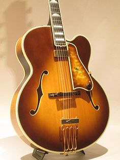 Vintage Guitars, Our team takes pride in supplying guitarist with sincere musical instruments. They tend to have a vintagelook utilizing a usefulness of the most advanced versions. Guitar Shop, Jazz Guitar, Music Guitar, Playing Guitar, Guitar Images, Guitar Pics, Semi Acoustic Guitar, Archtop Guitar, Gibson Guitars