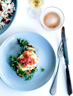 Eggs benedict med stenbidderrogn Risotto, Mad, Eggs, Breakfast, Ethnic Recipes, Morning Coffee, Egg, Egg As Food