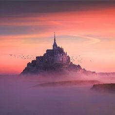 Mont Saint. Michael - France :) #travel #adventure #explore #summit #hiking #climbing #igtravel #ig_captures #ig_europe #wanderlust #nature_perfection #france #palace #castle