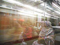 Foto de Reflejos en el metro de Bilbao - Google Fotos