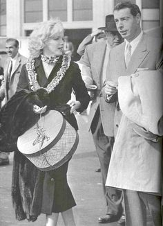 Marilyn and Joe departing from Honolulu on February 1, 1954.