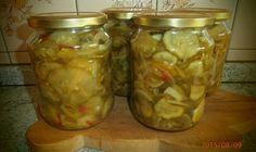 Skvělý tip, jak zavařit okurky v myčce nádobí Homemade Pickles, Cucumber, Mason Jars, Pesto, Cooking Recipes, Canning, Food, Pickles, Author