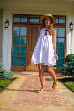 Cayley Not a winter dress but if you can find this PLEASE SEND IT! This is the perfect dress! White a line summer dress. Spring summer 2016. Stitch fix fashion trends. Resort wear.