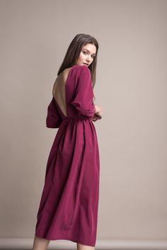 Платье Черешня с открытой спиной гранатового цвета