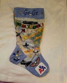 Gigi's theme is airplanes.