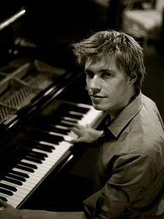 2010 Dame Ruby Litchfield Scholarship recipient, jazz pianist Matthew Sheens.