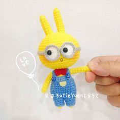 据说它叫兔纸小黄人 😉 大家周末愉快哦~ Minion or Rabbit ? 😜 Happy Weekend to everyone 😘 #amigurumiaddict #amigrumi #amigurumi #amigurumilove #amigurumidoll #crocheting #crochet #crochetaddict #diy #doll #ganchillo #ganxet #häkeln #haken #handmade #crafts #handcraft #instacrochet #yarn #yarndoll #钩针 #钩针玩偶 #手工