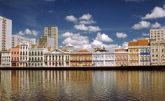 Rua da Aurora, parte antiga de Recife (PE)