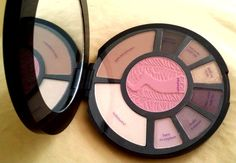 Ami's Magic Box: Review: [Tarte] Rainforest After Dark Colored Clay Eye & Cheek Palette (Limited Edition) http://amismagicbox.blogspot.com/2014/10/review-tarte-rainforest-after-dark.html