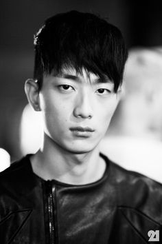 Park Sung Jin backstage at Siki Im Park Sung Jin, Asian Eyes, Asian Hair, Undercut Hairstyles, Korean Model, Medium Hair Styles, Backstage, Male Models, New York City