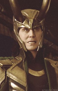Loki, what are you doing? ~ Looks like a contact slipped