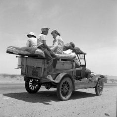 "May ""Migratory family traveling across the desert in search of work in cotton at Roswell, New Mexico. Photo by Dorothea Lange / Resettlement Administration photo. Shorpy Historical Photo Archive Source by debbieml Station Wagon, Old Pictures, Old Photos, Vintage Photographs, Vintage Photos, Route 70, Dorothea Lange Photography, Shorpy Historical Photos, Historical Images"