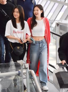 jensoo in your area 🔂 (@jensooarea) | Twitter Stage Outfits, Blackpink Fashion, Kpop Fashion Outfits, Korean Fashion, Korean Outfits, Lisa, Blackpink Jisoo, Blackpink Jennie, Kpop Girls