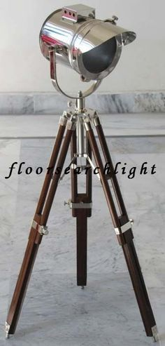 NAUTICAL COLLECTIBLE SEARCHLIGHT W/ ROSEWOOD TRIPOD STAND SPOT LIGHT TABLE LAMP