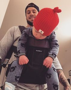 New post on tammy-hembrow Mom Dad Baby, Father And Baby, Mother And Child, Mom And Dad, Cute Kids, Cute Babies, Tammy Hembrow, Family Over Everything, Baby Bjorn