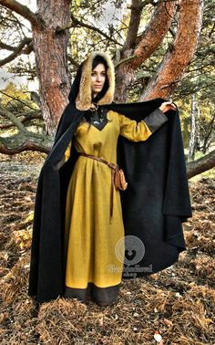 Medieval Viking cloak with hood natural fox fur historical