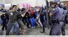 H στρατιωτική αστυνομία τουΣάο Πάολο έκανε χρήση δακρυγόνων προκειμένου να διαλύσει ένα πλήθος διαδηλωτών που είχαν βγε