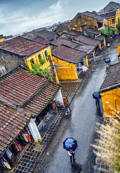Hoi An ancient town, on a rainy day. Love the shapes and colors! Hoi An should be on every traveler's bucket list to visit. of Vietnam Hanoi Vietnam, Vietnam Travel, Asia Travel, Laos, Vietnam Image, Beautiful Vietnam, Vietnam History, Indochine, Hoi An