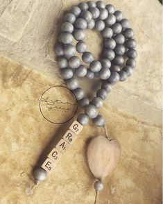 """🌟Tante S!fr@ loves this📌🌟""""Grace is the benevolence shown by God to the human race. Diy Arts And Crafts, Bead Crafts, Crafts To Make, Art Crafts, Wood Bead Garland, Beaded Garland, Wood Block Crafts, Passementerie, Craft Markets"""