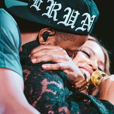 Beyonce & Jay Z King Queen Power Couple Relationship Goals Black Love Beautiful Happily Married Wedding Love Celebrity On The Run Tour Beyonce Knowles Carter, Jayz Beyonce, Beyonce 2013, Beyonce Style, Destiny's Child, Beyonce Pictures, Run Tour, Rapper, Romantic Couples