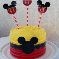 Bolo do Mickey Mickey Mouse Smash Cakes, Mickey Birthday Cakes, Mickey 1st Birthdays, Mickey Cakes, Mickey Mouse Clubhouse Birthday, First Birthday Cakes, Birthday Ideas, 2nd Birthday, Pastel Mickey Mouse Niño