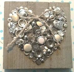 Basteln mit Knöpfen – - Schmuck ideen Crafts with buttons Crafts To Sell, Crafts For Kids, Arts And Crafts, Diy Crafts, Creative Crafts, Upcycled Crafts, Button Crafts, Button Art, Heart Button