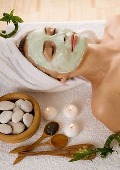 Anti-aging beauty products infused with tea. Skin care products made with the Camellia sinensis tea plant can slow wrinkle formation and protect against sun damage. Natural Facial, Natural Skin, Spa Facial, Natural Beauty, Manicure Y Pedicure, Facial Masks, Face Skin, Anti Aging Skin Care, Ayurveda