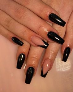 Acrylic Nails Coffin Short, Simple Acrylic Nails, Summer Acrylic Nails, Best Acrylic Nails, Black Coffin Nails, Long Black Nails, Cute Black Nails, Black Nail Tips, Black Nails With Glitter