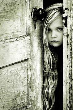Love the exposure & pretty girl