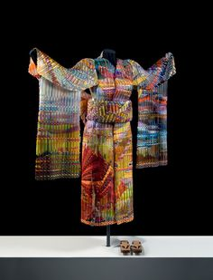 Incredible Woven Glass Kimono -- Artist not credited. Artists are Markow and Norris. Incredible art