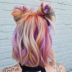 15 Prettiest Space Bun Hairstyles to Copy ASAP | StyleCaster