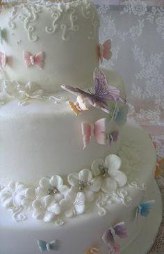 Very sweet garden wedding cake.