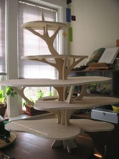 Woodworking Joinery How To Make .Woodworking Joinery How To Make Diy Cupcake Stand, Cupcake Tree, Woodworking Furniture, Woodworking Projects, Diy Projects, Woodworking Jigs, Woodworking Organization, Welding Projects, Christmas Tree Village