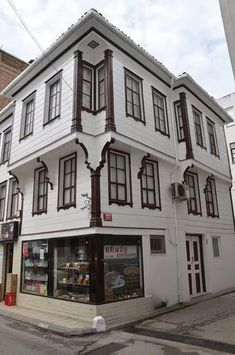 Old Sinop House, Turkey of Turkish Architecture, Art And Architecture, Stockholm Design, Beautiful Homes, Beautiful Places, Turkey Places, Visit Turkey, Classic Building, Timber Structure