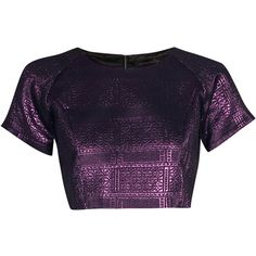 Boohoo Boutique Sarah Brocaide Metalic Crop Raglan Top (€26) ❤ liked on Polyvore featuring tops, shirts, crop top, purple, cropped tops, metal shirts, purple crop top, raglan sleeve top and cut-out crop tops