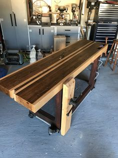 Workbench Vise, Workbench Plans, Woodworking Workbench, Woodworking Projects, Craftsman Workbench, Dremel, Bench With Storage, Joinery, Carpentry
