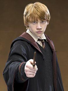 Ron Weasley, es uno de los principales personajes de la saga Harry Potter, siendo el mejor amigo del protagonista y Hermione Granger. Creado por la británica J. K.