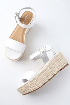 Trek down to the water in style with the Corsa White Espadrille Flatform Sandals! Sleek vegan leather covers a wide toe band, paired with an adjustable quarter strap (and silver buckle). White Espadrilles, White Sandals, Shoes Sandals, Women Sandals, Shoes Women, Sandals Platform, Ladies Sandals, White Wedges, Footwear Shoes