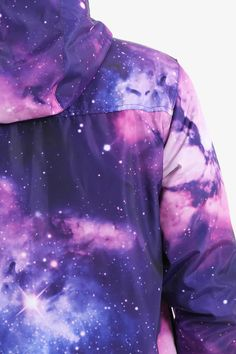 This item is shipped immediately, included the weekends. An intricate jacket that features an image of the galaxy in blues and purples. This design is a classic for anyone looking to stand out in the