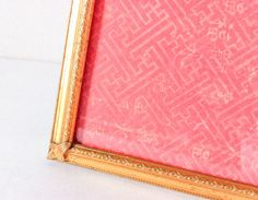 Vintage Gold Picture frame Shabby Chic by RetroTiles on Etsy decor number centerpiece Shabby Look, Shabby Chic, 5x7 Frames, Gold Picture Frames, Table Top Display, Art Pictures, Centerpiece, Wedding Decor, Number