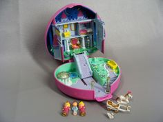 $58.00 Complete. 1992 STARLIGHT CASTLE. Light Up Play Set. vintage Polly Pocket. Princess, Prince, Horse Carriage & Swan. Pink Heart Compact. 90s by wardrobetheglobe on Etsy....Lots More Polly Pocket Sets in my Etsy Shop! Follow Links