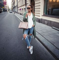 ideas sneakers outfit women casual adidas superstar for 2019 Source by superstar outfit casual Fashion Models, Look Fashion, Runway Fashion, Fashion Outfits, Street Fashion, Net Fashion, Fall Outfits, Summer Outfits, Casual Outfits