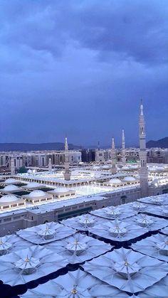 Medina Islam, Medina Mosque, Mecca Masjid, Masjid Al Haram, Mecca Wallpaper, Islamic Wallpaper, Beautiful Mosques, Beautiful Places, Muslim Images