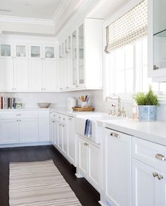 Antique white kitchen cabinets are used so that the kitchen would look bigger as well as neatly arranged. People with smaller kitchens are ready to buy them