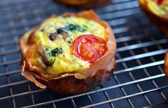 Prosciutto-Wrapped Mini Frittata Muffins - Nom Nom Paleo® These portable mini frittata muffins filled with protein and veggies are a family-friendly favorite for packed lunches! Egg muffins for the win! Frittata Muffins, Mini Frittata, Egg Muffins, Frittata Recipes, Paleo Frittata, Mini Quiches, Savory Muffins, Mini Muffins, Breakfast Desayunos