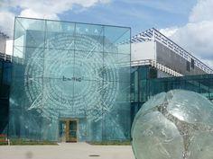 Kampus Uniwersytetu w Białymstoku - Plac Syntezy Nauk - Architektura-murator Poland, Glass Art, Louvre, University, Sculpture, Big, Building, Travel, Viajes