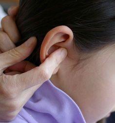 Dès les premières douleurs, ou les premières suspicions de douleur chez le bébé, pratiquer ce massage :   1) Pomper le tragus 40 fois. C'est...